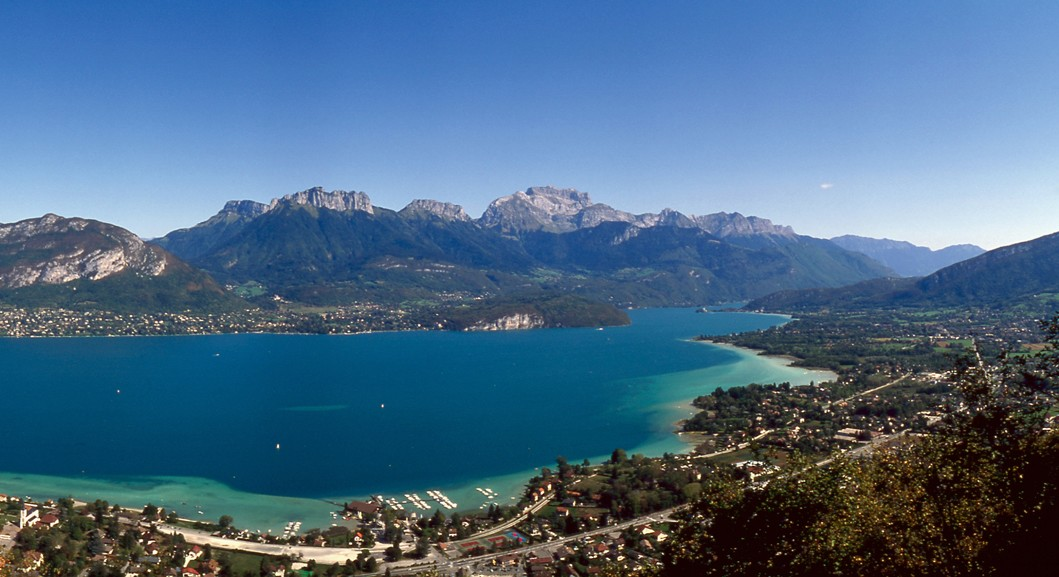 Vacances à Annecy : les différentes activités qui vous attendent en Haute-Savoie