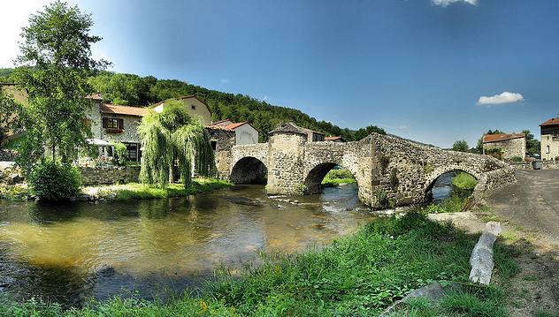 Camping : essayez les vacances familiales en Auvergne !