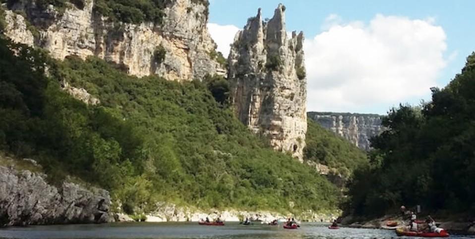 Vacances camping en Ardèche : trois endroits à ne pas manquer