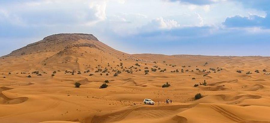 Entre ciel et sable dans le désert