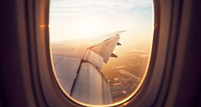 Gérer l'angoisse de prendre l'avion : astuces !