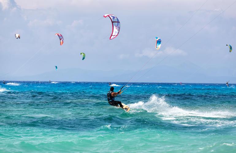 Tous à Hyères pour se mettre au kitesurf !